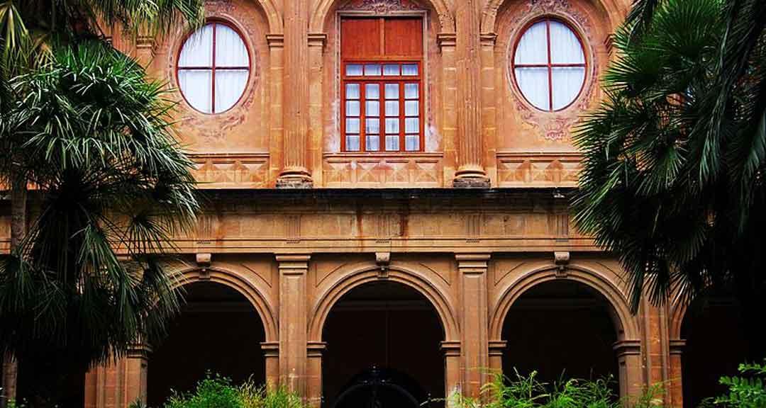 Claustro del Colegio Diocesano de Santo Domingo de Orihuela