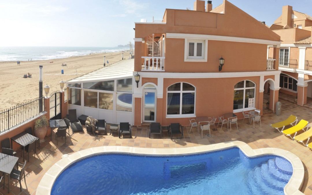 VISTA_PISCINA-lloyds-club-la-mata-torrevieja-alicantesur